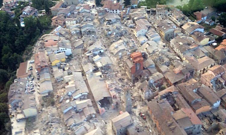 amatrice_terremoto_vigili_fuoco_2016_750x450