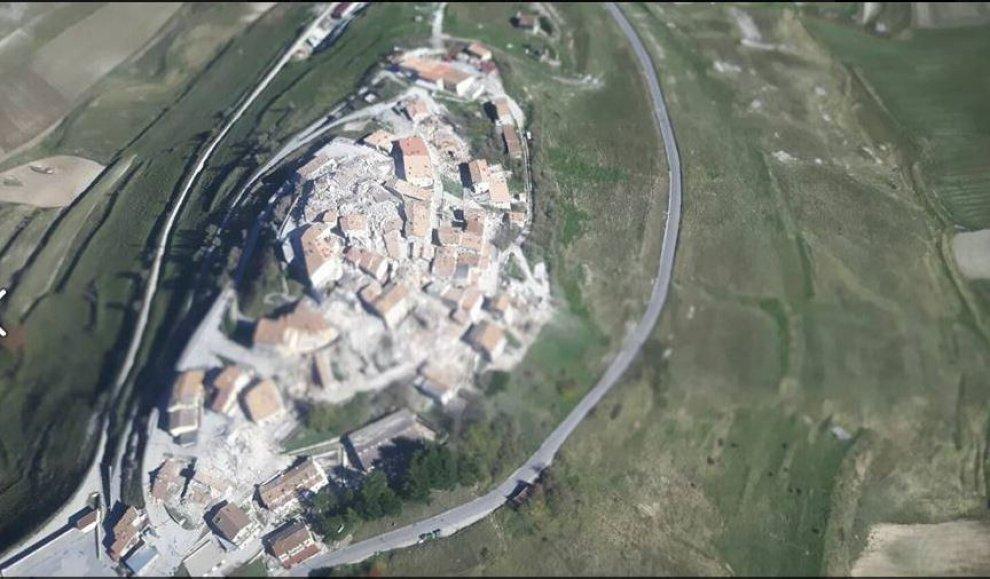 terremoto immagini di castelluccio