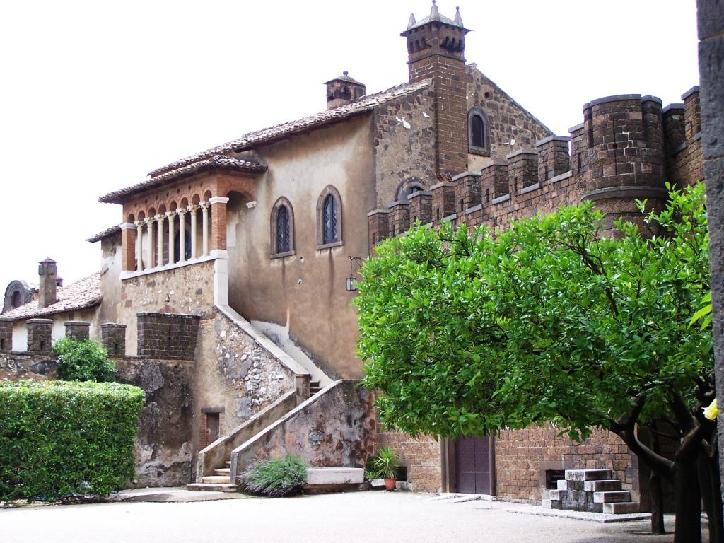 Castello Lancellotti laterale