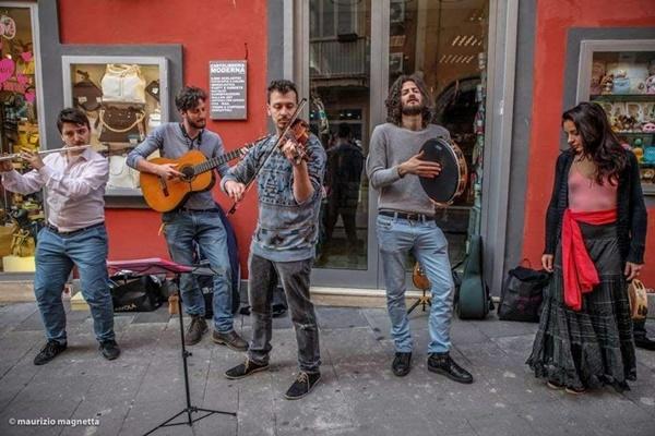gruppi emergenti musicali