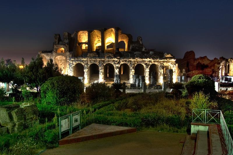 Lo spettacolo notturno dell'Anfiteatro Campano