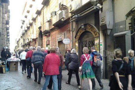 Pasqua in Campania: sold out a Napoli, buone le prenotazioni nelle isole, Costiera Amalfitana e Penisola Sorrentina.