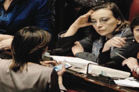Le notizie del giorno. Fiducia sull'Italicum, caos alla Camera – Polizia violenta, scontri a Baltimora –
