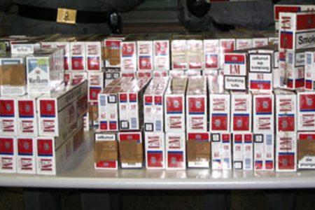 Aveva 20mila pacchetti di sigarette di contrabbando, arrestato