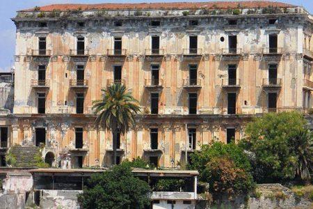 L'arte che cade a pezzi: verrà demolita Villa D'Elboeuf a Portici