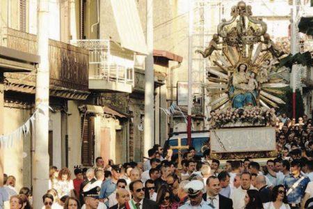 Processione in Calabria,  ancora un inchino al boss