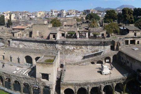 Monumenti vietati: sit in dei commercianti, sbarrati gli scavi di Ercolano