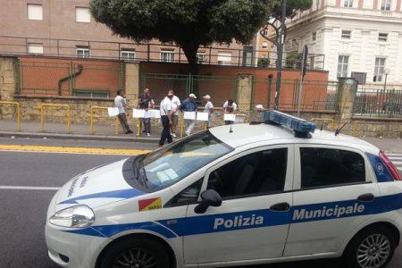 Paura a Napoli per una fuga di gas, l'intervento della Polizia evita la tragedia