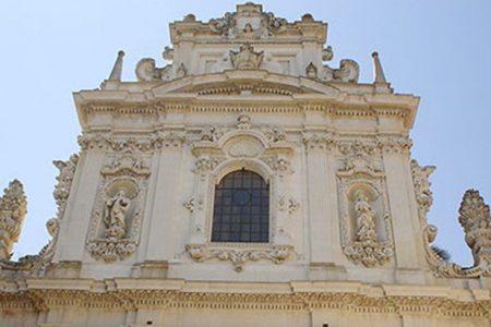 I gioielli del Sud abbandonati. Perde pezzi la chiesa del Rosario di Lecce