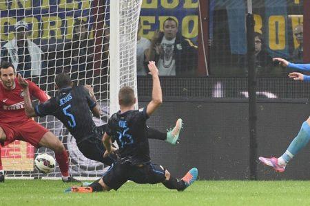 Serie A, il punto di Guido. Napoli e Inter giocano a tressette, il Sassuolo frena la Juve: la Roma ringrazia