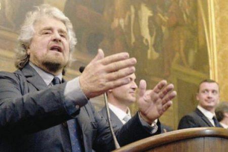 Grillo insiste, referendum contro l'euro