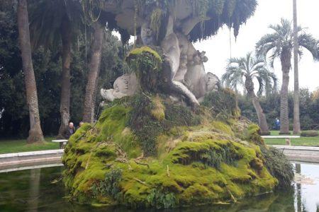 Museo chiuso, rischio calcinacci e giardini vietati: vergogna Capodimonte