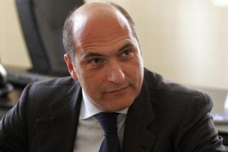 Primarie del PD, Cozzolino lancia la sfida