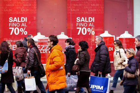 Dal 2 gennaio i saldi a Potenza, i primi in Italia