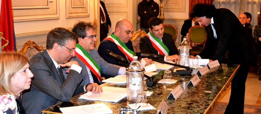 Il Commissario Anticorruzione Raffaele Cantone e il sindaco Bianco