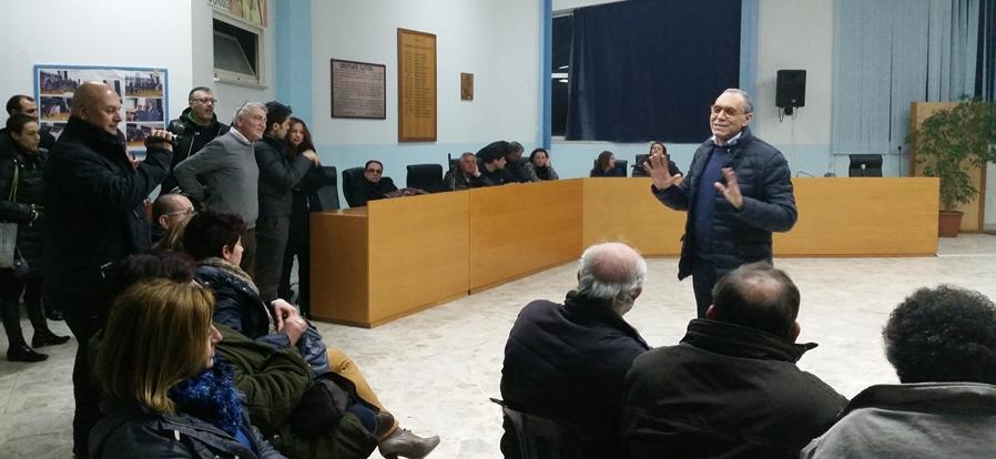 """A Monte di Procida arriva il commissario. Il sindaco Iannuzzi: """"Ecco perchè mi dimetto…"""""""