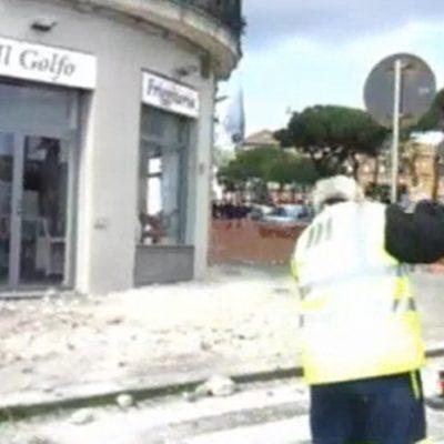 Napoli: crolla un cornicione a Santa Lucia, tanto spavento ma nessun ferito