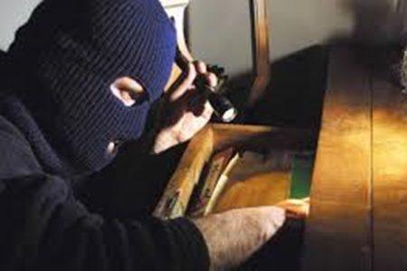 Record di furti nelle abitazioni, uno ogni due minuti