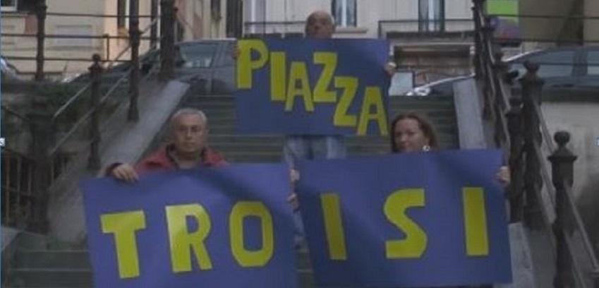 Nel quartiere Chiaia di Napoli una piazza intitolata a Massimo Troisi