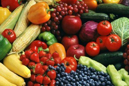Mafia: Coldiretti, con clan +300% prezzi frutta, sottopagata nei campi