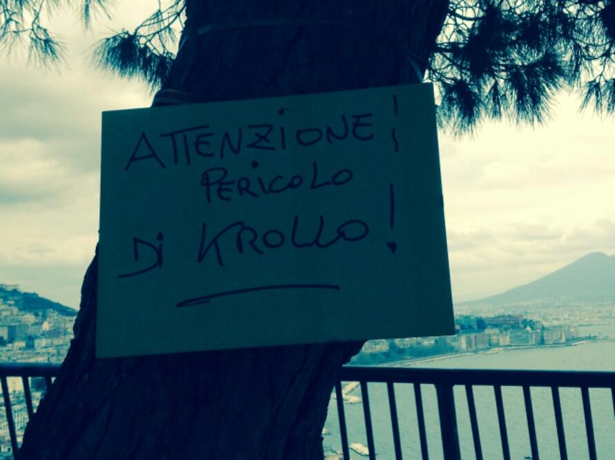 """Quell'albero a Posillipo con il pericolo di """"Krollo"""""""
