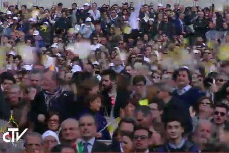 """La visita del Papa. Il Cardinale Sepe in Piazza del Plebiscito: """"La camorra è una nube tossica"""""""