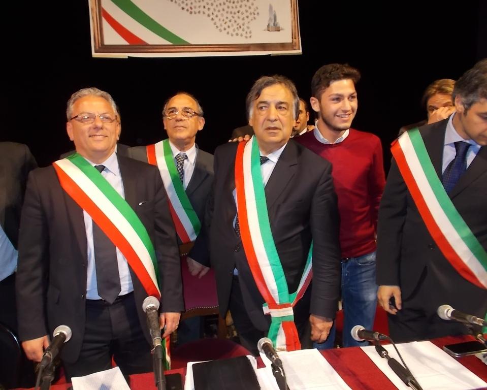 """L'ira dei Comuni siciliani: """"Siamo disperati, basta con il governo regionale"""""""