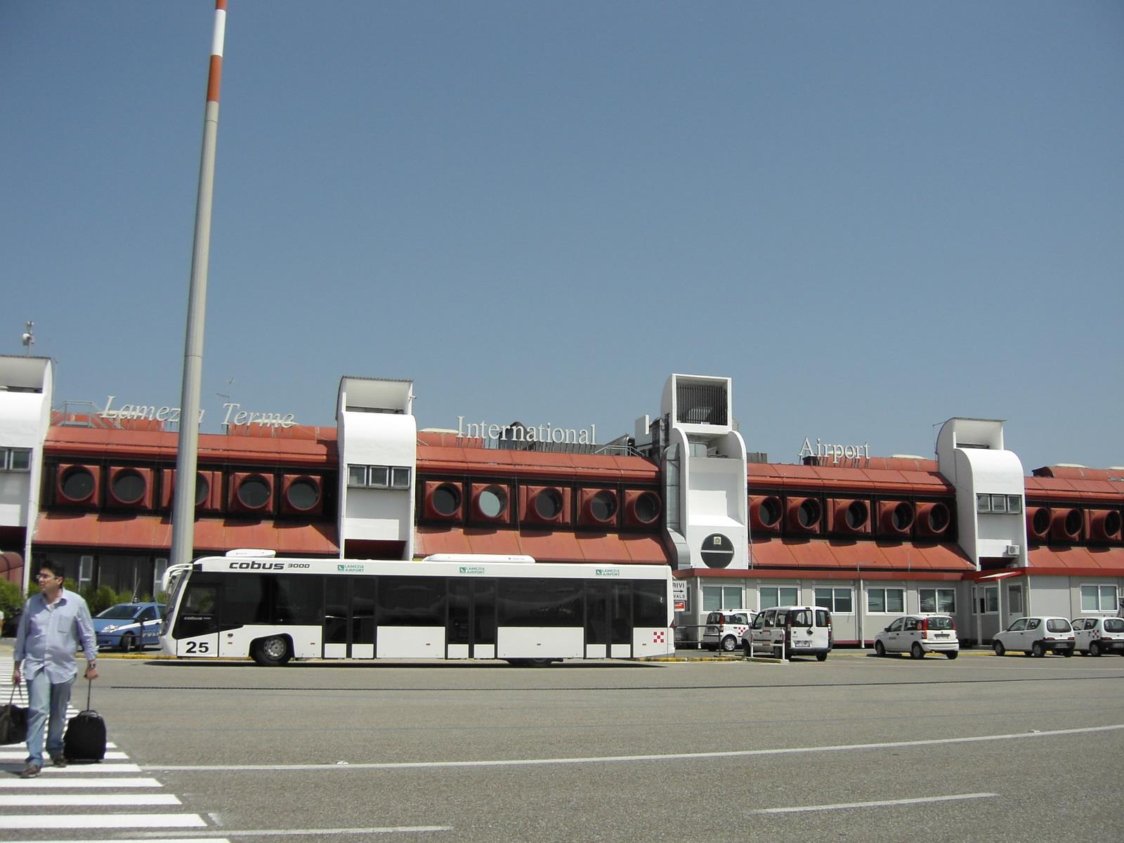 Per l'aeroporto di Lametia Terme passeggeri in aumento