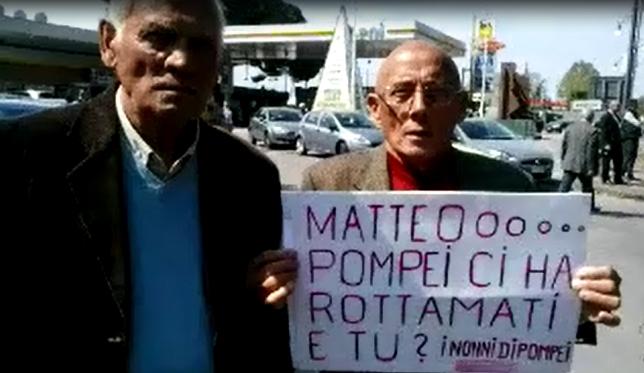 """Renzi estasiato da Pompei, ma i cittadini protestano: """"La città cade a pezzi…"""""""