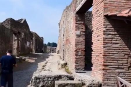 Pompei, la palestra grande aperta anche di giorno