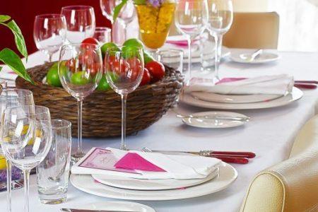 Pranzo di Pasqua, l'83% degli italiani resta a casa
