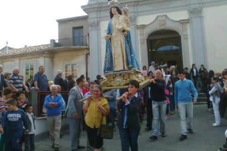 Calabria, processione senza inchino