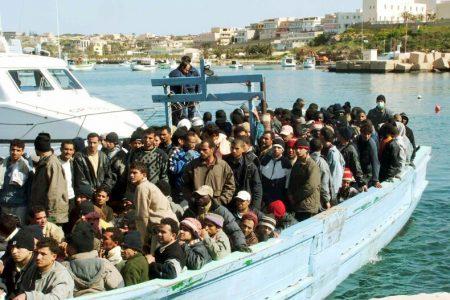 Immigrati, sbarchi in Calabria anche a Pasqua