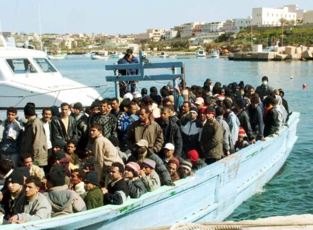 Immigrati, emergenza continua: ne arrivano 1500 al giorno
