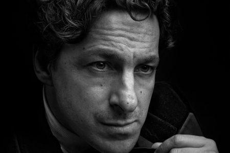 Yari Gugliucci, il fascino discreto dell'attore italiano all'estero