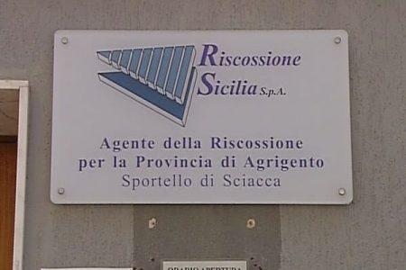 Scandalo Riscossione in Sicilia, con 886 avvocati in busta paga recupera solo il 2% delle tasse
