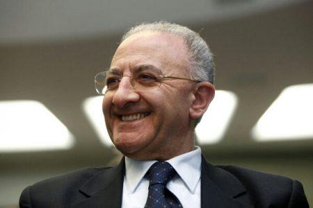 """De Luca: """"Riduciamo gli incentivi del 5% per assumere 200mila giovani nella pubblica amministrazione"""""""