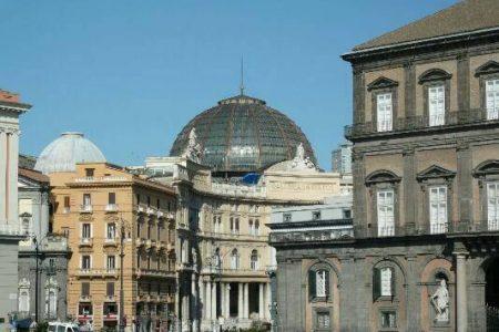 Napoli: cittadini e imprenditori uniti per restaurare la facciata principale della Galleria Umberto I