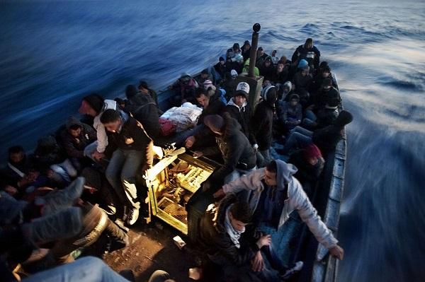 Il sospetto del governo: una regia dietro l'ondata di migranti a Pasqua