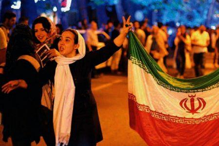LE NOTIZIE DEL GIORNO. Patto storico dell'America con l'Iran – Terremoto a Milano, si dimette il vicesindaco – Grecia, oggi il voto sulle riforme