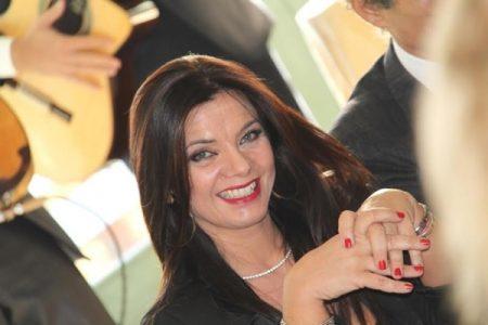Anna Calemme la  voce di Napoli nel mondo