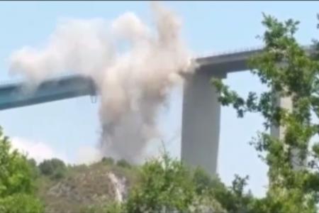 Il crollo del ponte sulla Salerno-Reggio Calabria