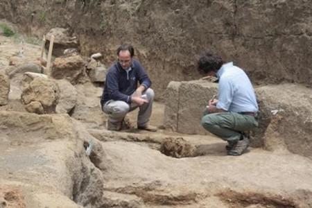 Nuova scoperta a Pompei: tomba in marmo con la più lunga epigrafe funeraria