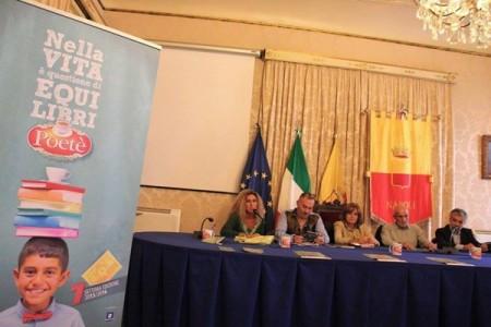 """""""Nella vita è questione di Equi-Libri"""", a Napoli letture poetiche infuse di teina"""