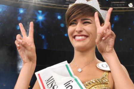 Alice Sabatini il fascino di Miss Italia. I suoi amori? Il basket, gli animali e gli studi all'università