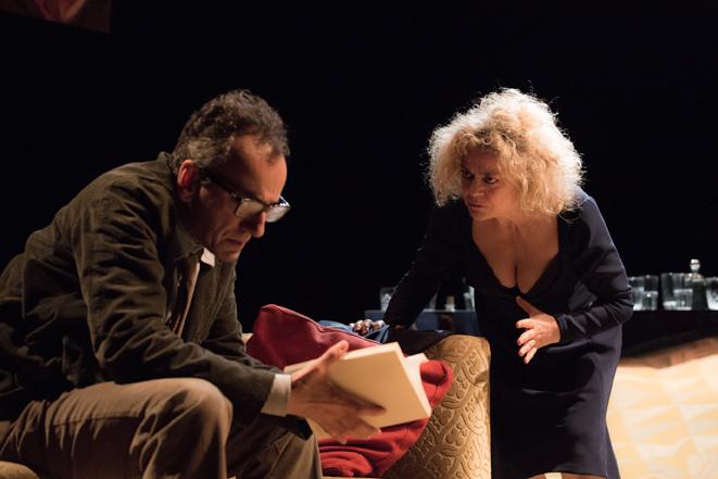 """""""Chi ha paura di Virginia Woolf?"""", storia di coppie, ironia e cattiveria al teatro Bellini"""