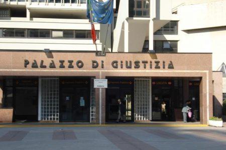Napoli, detenuto evade durante un'udienza al Tribunale