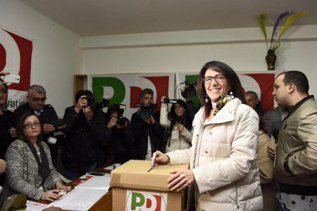 Valeria Valente a Bassolino: ora lavoriamo insieme, possiamo farcela