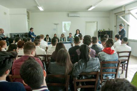Elmeco fa scuola a Scampia: un corso per futuri barman
