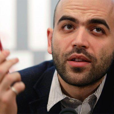 SCRIPTA MANET / ROBERTO SAVIANO: Napoli accetta solo chi fa ridere, è solidale solo nella sconfitta